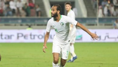 صورة السعودي عطيف أفضل لاعب في خليجي 24