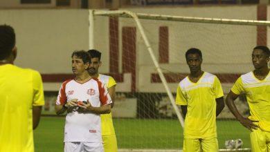 صورة رشيد جابر يشيد بأداء لاعبيه أمام مسقط